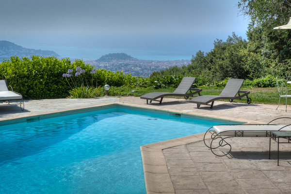 location de villas en corse du sud